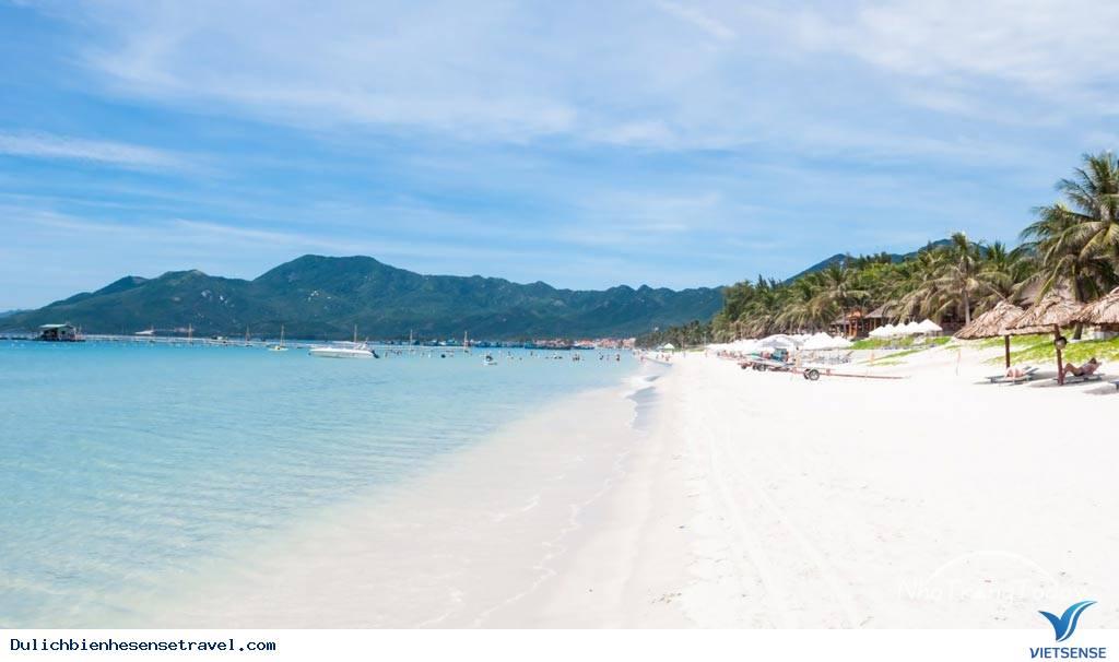 16 thiên đường du lịch biển miền Trung hút hồn du khách năm 2018